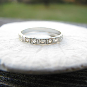 Art Deco Diamond Wedding Band, 18K White Gold, Engraving, Charming Carved Flowers Eternity Band, Circa 1925