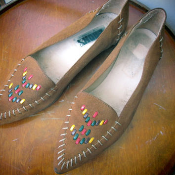 Vintage native american women suede leather shoes from 70s, size 38, US 7 1/2- 8, Tribal leather shoes, Vintage tribal shoes, Native shoes