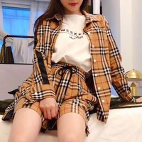 """ Burberry"" Woman Casual Simple Blouse Tartan Fashion Letter Printing Short Sleeve Short Trousers Two-Piece Set Casual Wear"