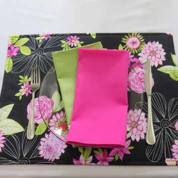 Pink & Black Floral Placemats, Optional Matching Napkins and Table Runner, Spring Table Linens, New Home, Bridal Shower Gift, Set of 2