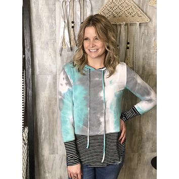 Tie Dye Hoodie Top With Stripes In Mint Black And White