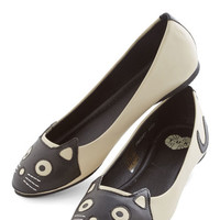 ModCloth Kawaii Up Your Alley Cat Flat in Ivory