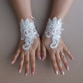 ivory lace gloves, Wedding Gloves, bridal gloves, short lace glove, Unique lace glove, free ship