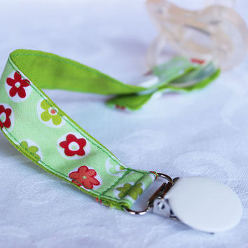 Pacifier clip/ holder - Green Flowers  - Baby acessories - Binky Clips – Baby Girl - Baby boy - Universal - Paci Clip - Baby Shower Gift
