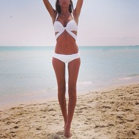 Tropical Bikini - White push up twist bikini with side cut out