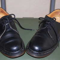 VINTAGE Black Leather doc martens / Leather Oxfords shoes / doc martens womens size 8.5 us / 80s 90s GRUNGE shoes