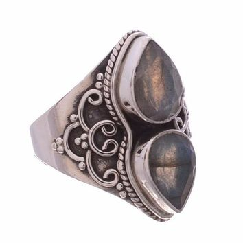 Arvino 925 Sterling Silver Ring with Labradorite Gemstone