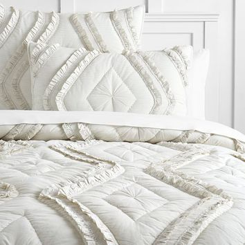 The Emily & Meritt Diamond Ruffle Quilt + Sham