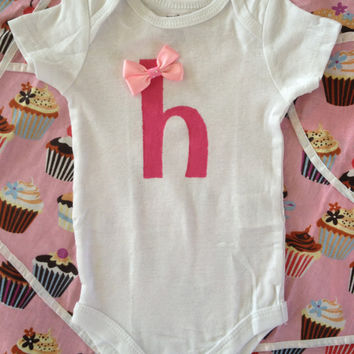 Cute baby girl gift fashion initial (a-z) Onesuit, lower case letter with matching bow, newborn baby toddler Great for Photos