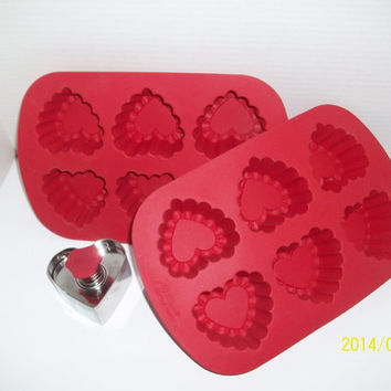 Wilton Brand Silicone Ruffled Heart Mold and Heart Press Cookie Cutter