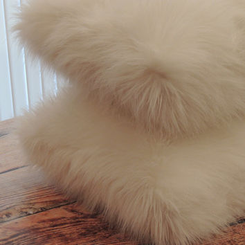 Arctic Fox White Faux Fur 18 x 18 in. Decorative Pillow - Set of 2