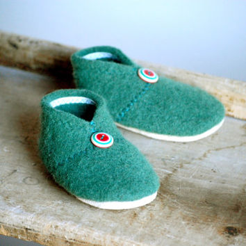 Wool Baby Shoes, Eco Friendly Slippers, size 12-24 months, Mistletoe