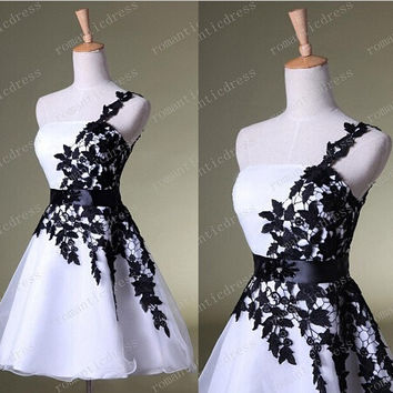 White and Black Lace Prom Dresses Elegant One-shoulder Sash Beaded Sequins 2014-2015 Corset Homecoming Graduation Party Cocktail Ladies Formal Gowns Cheap New Fashion Real Photos = 1956817604