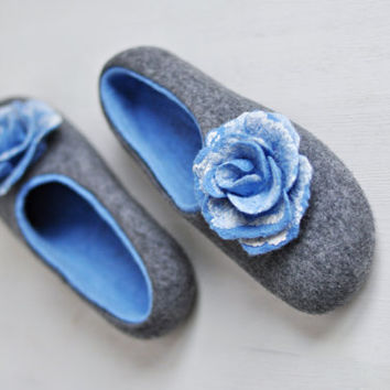 Felted slippers for women - Gray & Blue - Made to order - Wool shoes / Silk flowers / Handmade home shoes / Eco / Winter and Spring trend