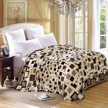 High Quality Coral Fleece Fabric Blanket Warm Winter Plaid Soft Throw Fleece Blankets On the Bed Europe Plush Blankets
