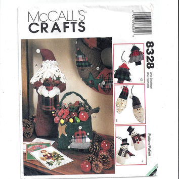 McCall's 8328 Pattern for Christmas Accessories & Decor, From 1996, Wreath, Ornaments, Stocking, Vintage Pattern, Home Sew Pattern