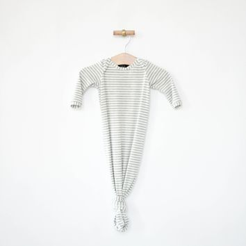 Knotted Sleeper in Gray Stripes