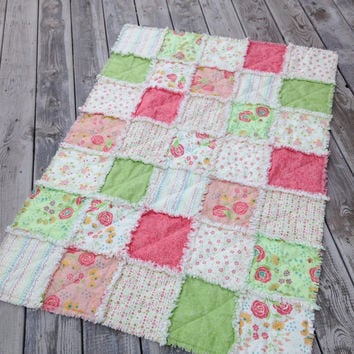 Baby Girl Rag Quilt, Crib Quilt, Toddler Quilt, Nursery Blanket, Chance of Flowers, 35 X 48. Coral, Green, Cream, Handmade, Ready to Ship