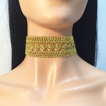 Goddess Weaved Metallic Choker in Gold