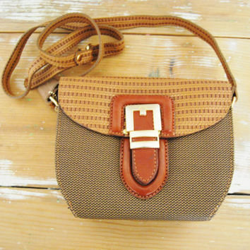 Buckle Up - Vintage 90s Brown Leather Trim Weaved Hard Flip Buckle Bag Purse Shoulder