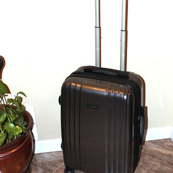 "Samsonite 21"" Carry-On Hardside Spinner Luggage"