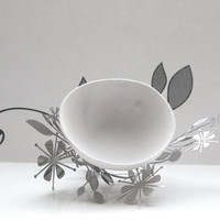 Metal foliage nest with a micro fine bone china bowl