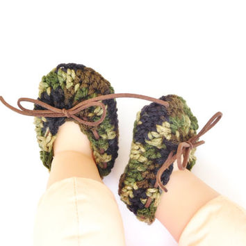 Camouflage Baby Booties with Faux Leather Laces - Hunting Theme Baby Photo  - Coming Home Outfit - Camo Baby Moccasins - Baby Shower Gift