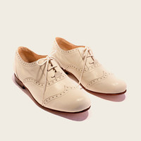 STYLE 1901 White Oxford Shoe by ZapateriaMaestra on Etsy