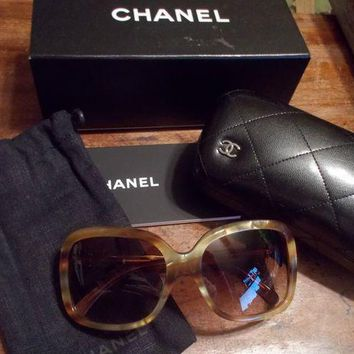 ONETOW CHANEL Authentic Tortoise BOW SUNGLASSES W/BOXCASE AND BAG 5171 c938/3B 6017 135