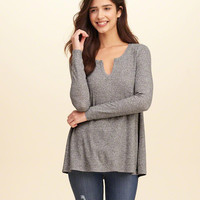 Girls Must-Have Notch-Front Ribbed T-Shirt | Girls Tops | HollisterCo.com