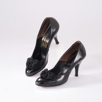 1950s Black High Heels: Vintage Shoes, Women's Leather Pumps, Ribbon Bows & Beading, Noir Cocktail Party, 50s Hollywood Pin Up
