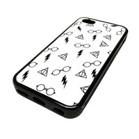Apple iPhone 5C 5 C Case Cover Skin Harry Potter Pattern White Cute DESIGN BLACK RUBBER SILICONE Teen Gift Vintage Hipster Fashion Design Art Print Cell Phone Accessories
