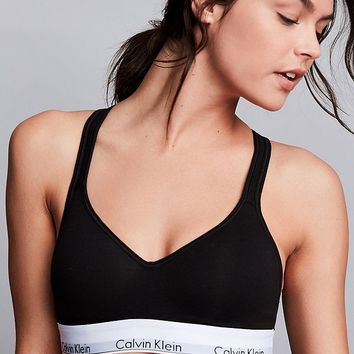Calvin Klein Lightly Lined Molded Cup Bralette | Urban Outfitters