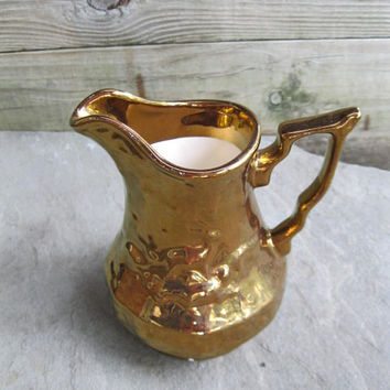Wade England Gold Lusterware Cream Pitcher Hunt Scene. 1940-1950