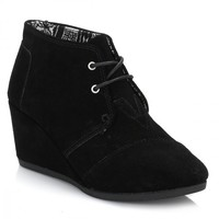 TOMS Womens Black Suede Desert Wedges