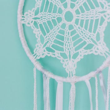 Boho Dreamcatcher, Dream Catcher, White Dreamcatcher, Wedding Decor, Wedding Photo Prop, Wall Hanging, Nursery Decor, Bohemian Decor, Boho