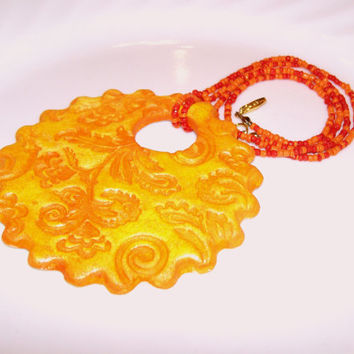 Floral Pattern Aroma Therapy Personal Diffuser Necklace, Summer Jewelry Yellow and Orange Pendant Seed Bead Necklace, Essential Oil Diffuser