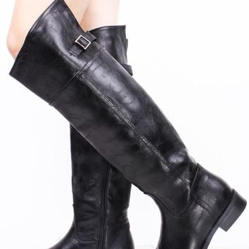 BLACK FAUX LEATHER ROUND TOE RIDER BOOTS