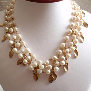 Triple Strand Necklace Avon Faux Pearl Gold Tone Findings Leaves Adjustable Vintage NAN