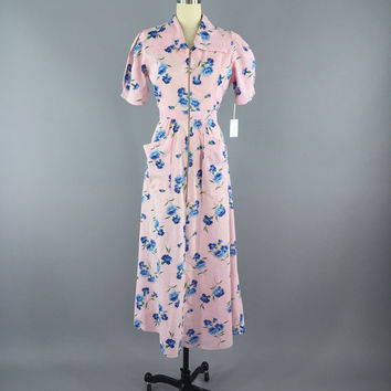 Vintage 1940s Hostess Dress / 1930s Robe / 30s Maxi Dress / 40s Dressing Gown / Floral Print Pastel Pink Cotton / Size Small S