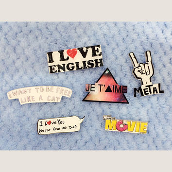1 PCS Free Shipping Kawaii Letters Harajuku Acrylic Pin Badges Cartoon Brooches Backpack Badge Pins Brooch