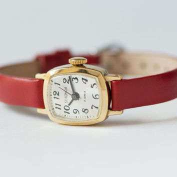 Tiny women's watch Sekonda gold plated classical watch minimalist wristwatch lady premium leather strap red new