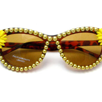 Sunflower Cat Eye Tortoiseshell Sunglasses - Gold Pearl & Yellow Flower Chic Sunnies - Neo Grunge, 90s Style, Flowergirl Hippie