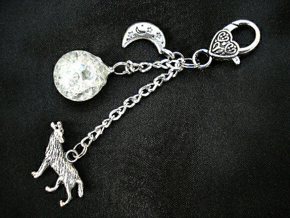 Howling Wolf Moon Crystal Crackle Glass Marble Keychain