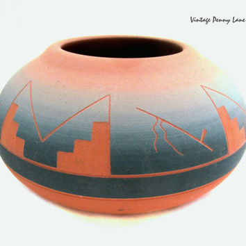 Vintage Sioux Pottery Bowl / Planter, Native American Folk Art