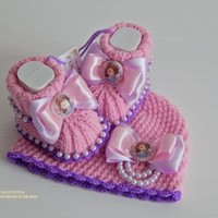 Hand knitted crochet beanie and baby booties.Sofia the First,fashion,baby,Disney