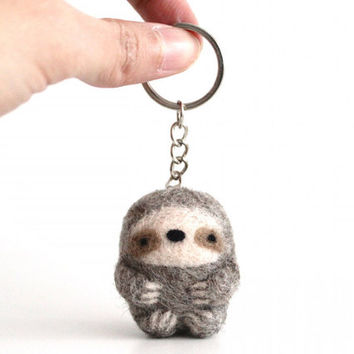 Sloth Keychain - Light Grey, Sloth Keyring, Sloth Bag Charm Purse Charm, Needle Felted Sloth, Animal Keychain, Animal Totem, Felt Sloth Gift
