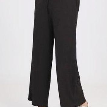 Kayla Ribbed Knit Lounge Pant in Black
