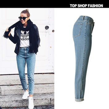 One Piece Loose Straight Light Washed Blue Retro Jeans