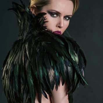 Amazing  Black Feather Cape Gothic Burlesque Vintage Style  Fashion Prom Vampire Halloween Costume MYSTIQUE